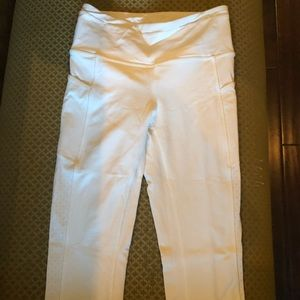 Lululemon Athletica Crop Size 4. Double lined.